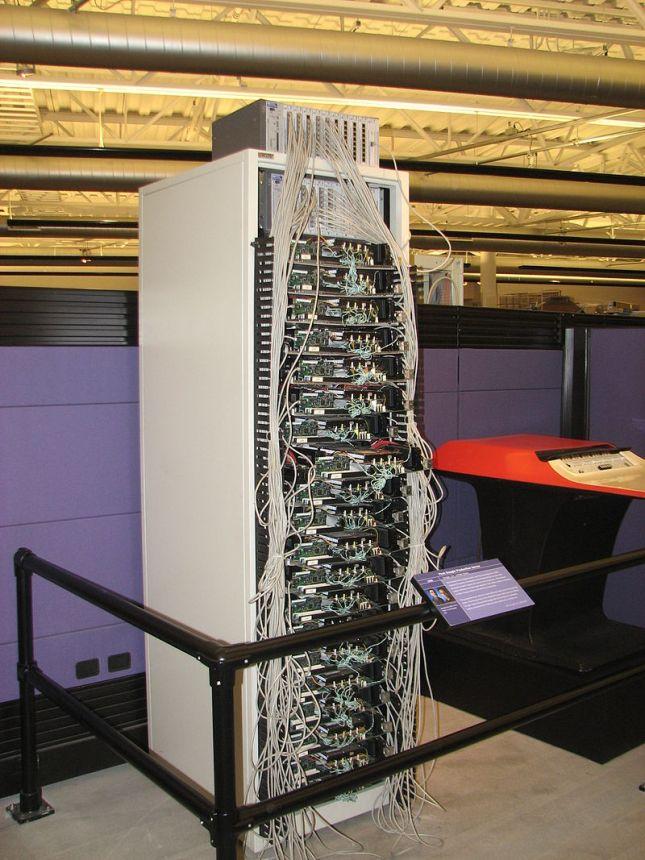 800px-Googles_First_Server